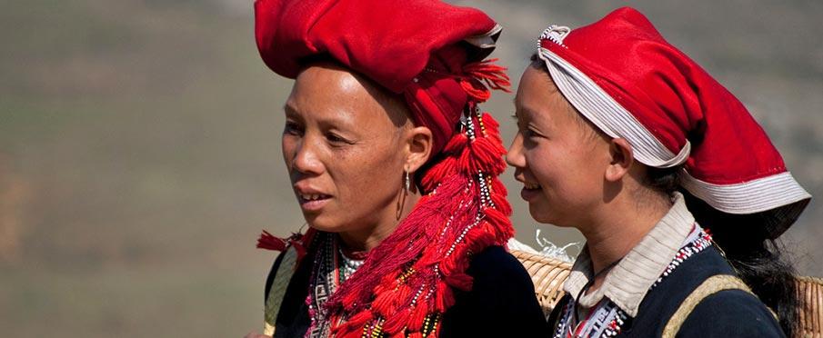 Lang Son - ženy etnické menšiny Červení Dao