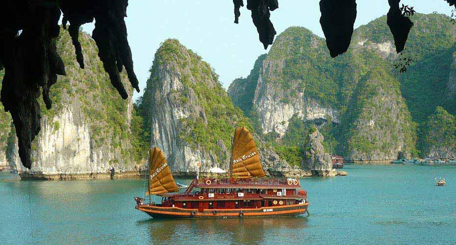 ha-long-bay-severni-vietnam1