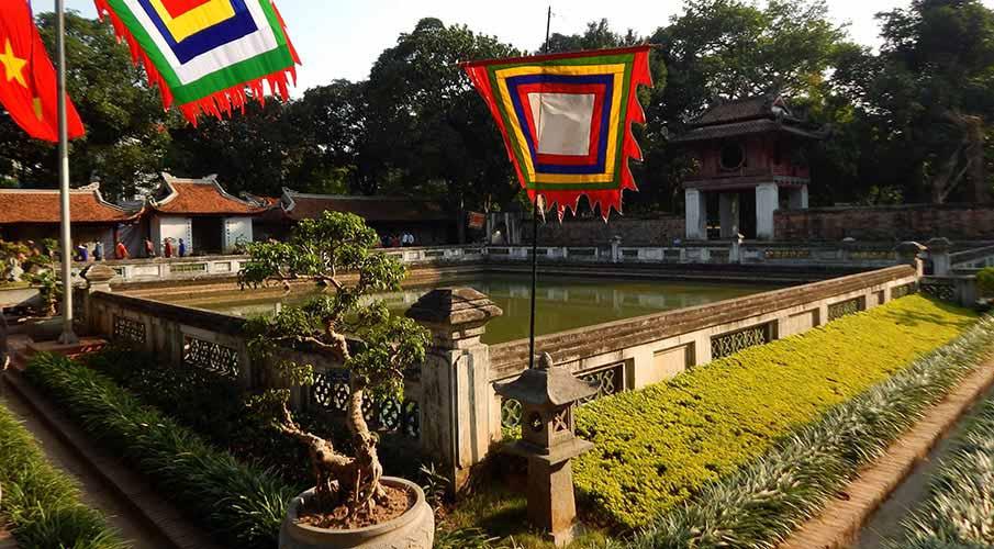vietnam-hanoj-palac-literatury2