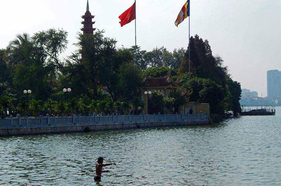 tran-quoc-pagoda-hanoj3