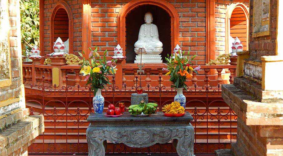 vietnam-tran-quoc-pagoda-hanoj1