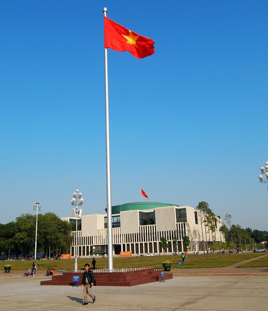 vietnam-vlajka-hanoj-mauzoleum