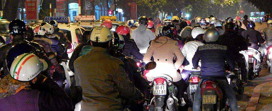 vietnam-motorky-hanoj