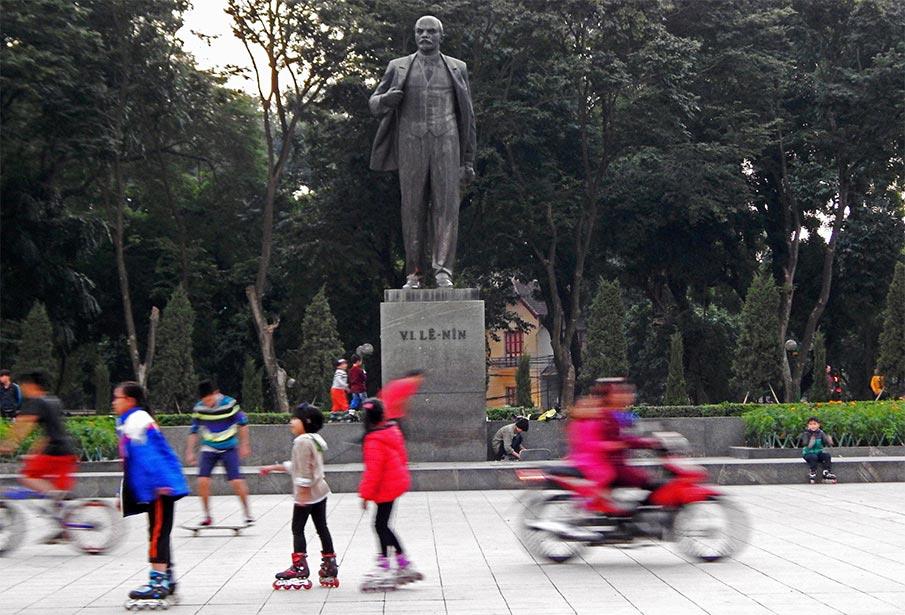 vietnam-lenin-park-hanoj4