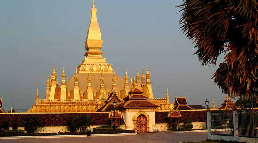 vientiane-laos-golden-pagoda