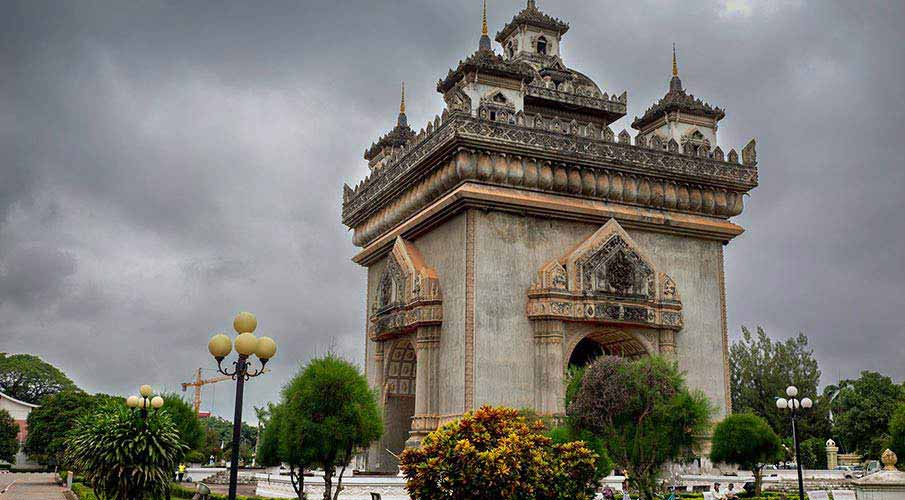 vientiane-victory-monument-laos