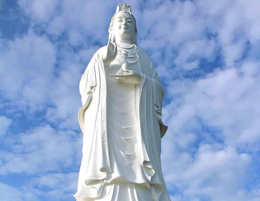 Lady-Buddha-Da-Nang-vietnam
