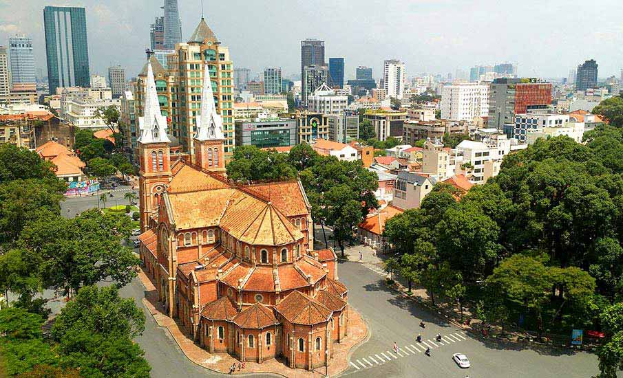 ho-ci-minovo-mesto-kostel-vietnam