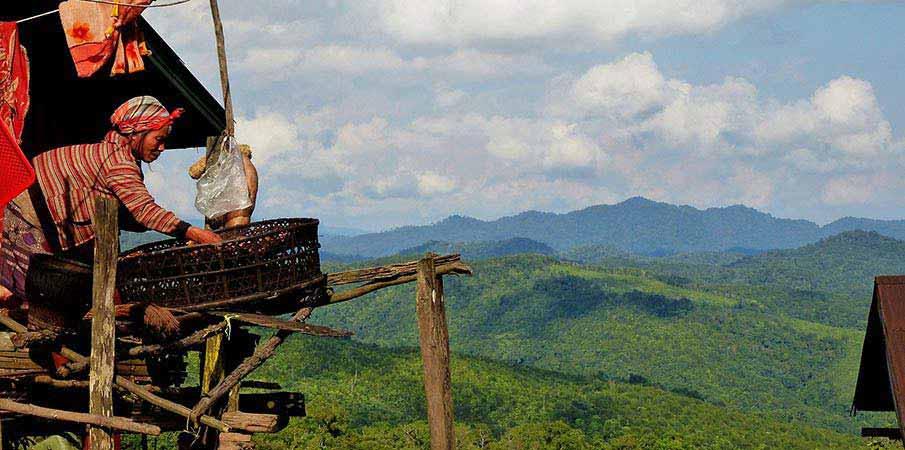 hory-vesnice-laos