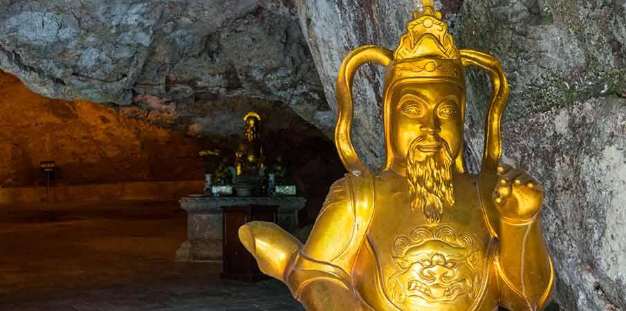 am-tien-jeskyne-sochy-ninh-binh