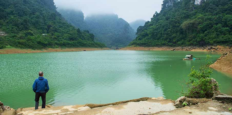 jezero-thang-hen-cao-bang-tra-linh