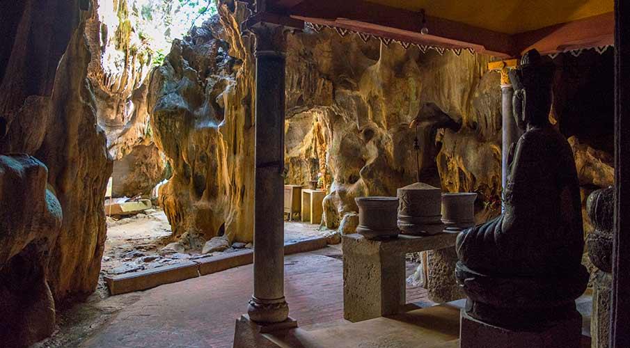 pagoda-bich-dong-jeskyne-ninh-binh