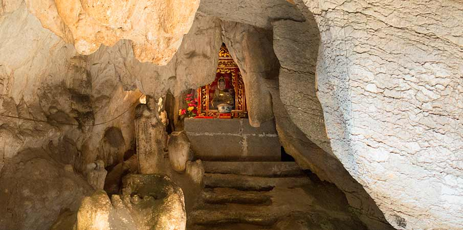 pagoda-bich-dong-jeskyne-vietnam